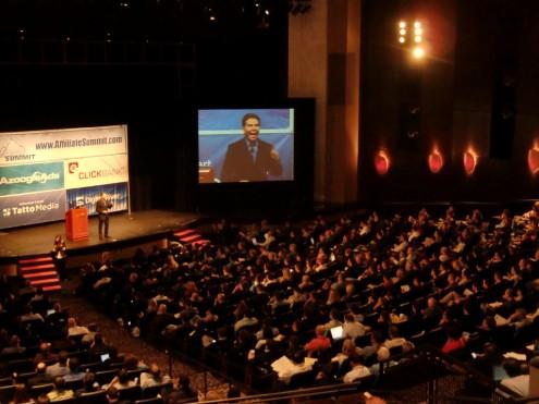 דר. קלדיני בהרצאה מרתקת על שכנוע באינטרנט